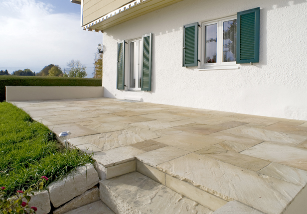 Beispiel Terrasse aus Naturstein in München