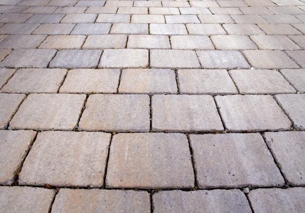 Gartenweg aus Steinplatten in München