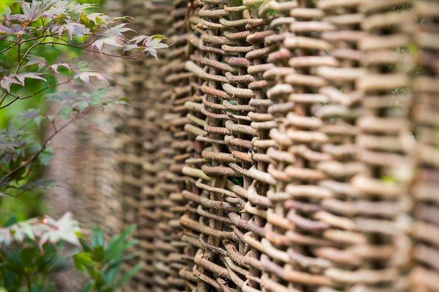 Gartenbau Sichtschutz aus Weidenzaun