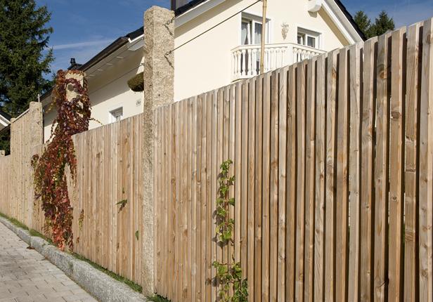 Holz Zaun bauen lassen