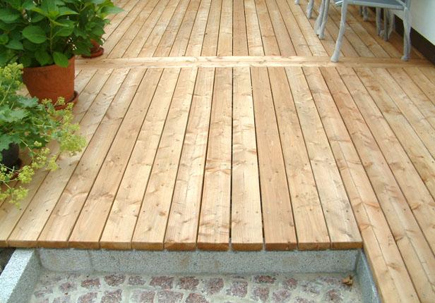 Holzdielen für Terrassenbau