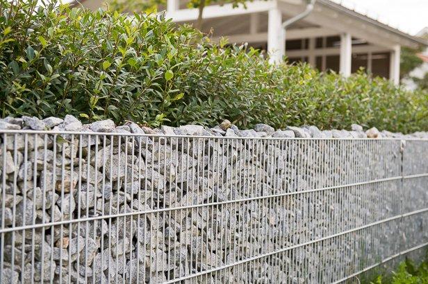 Gartenbau Steinmauer